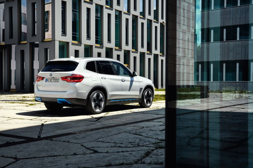 BMW iX3 debuts – 460 km range, 0-100 km/h in 6.8s; Adaptive M suspension as later over-the-air update Image #1146121