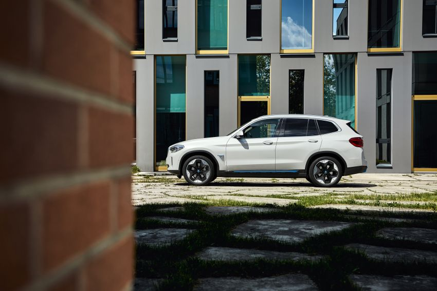BMW iX3 debuts – 460 km range, 0-100 km/h in 6.8s; Adaptive M suspension as later over-the-air update Image #1146123