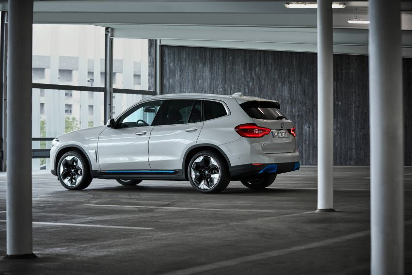 BMW iX3 debuts – 460 km range, 0-100 km/h in 6.8s; Adaptive M suspension as later over-the-air update Image #1146126