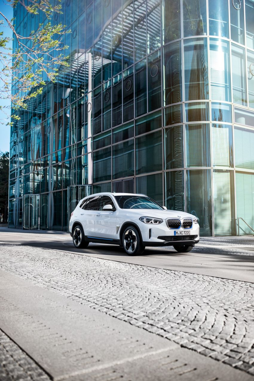 BMW iX3 debuts – 460 km range, 0-100 km/h in 6.8s; Adaptive M suspension as later over-the-air update Image #1146132