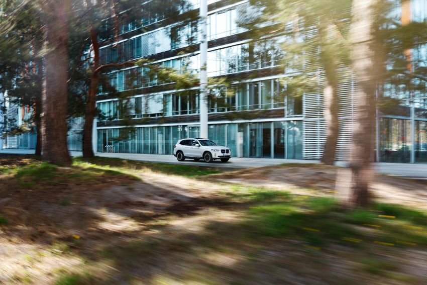 BMW iX3 debuts – 460 km range, 0-100 km/h in 6.8s; Adaptive M suspension as later over-the-air update Image #1146136