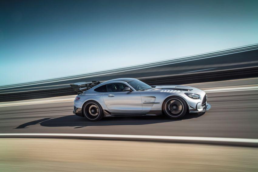C190 Mercedes-AMG GT Black Series debuts – 4L twin-turbo flat-plane V8; 730 PS, 800 Nm; crazy aero Image #1146411