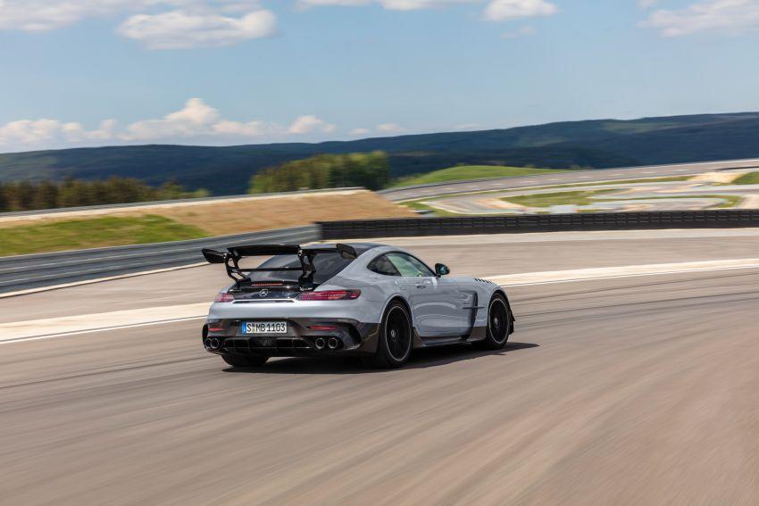 C190 Mercedes-AMG GT Black Series debuts – 4L twin-turbo flat-plane V8; 730 PS, 800 Nm; crazy aero Image #1146437