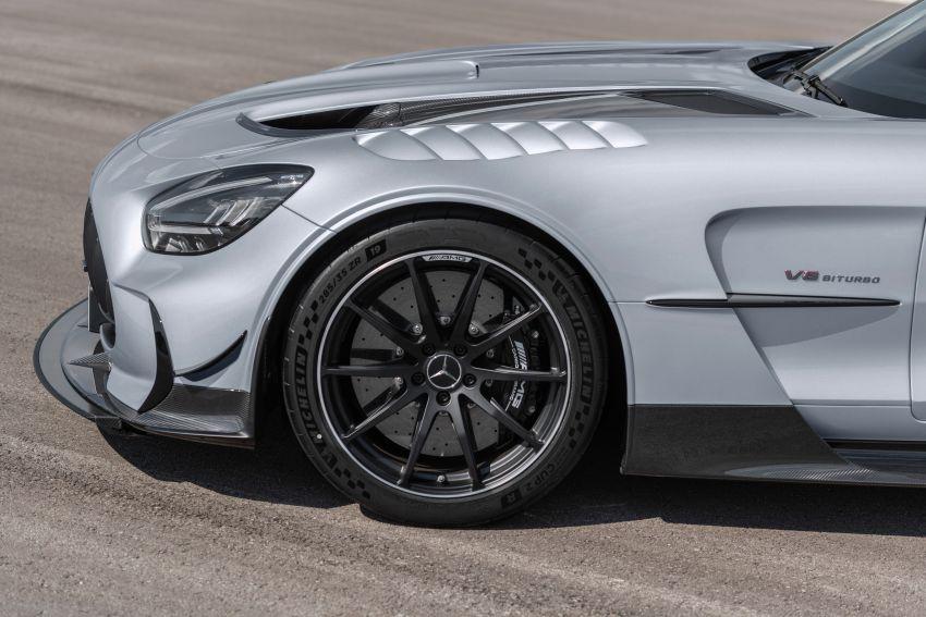 C190 Mercedes-AMG GT Black Series debuts – 4L twin-turbo flat-plane V8; 730 PS, 800 Nm; crazy aero Image #1146483