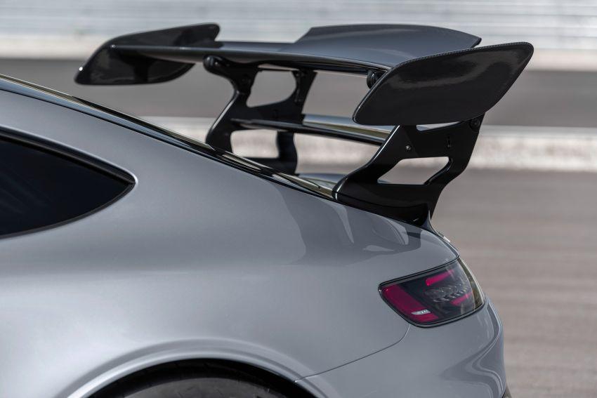C190 Mercedes-AMG GT Black Series debuts – 4L twin-turbo flat-plane V8; 730 PS, 800 Nm; crazy aero Image #1146485