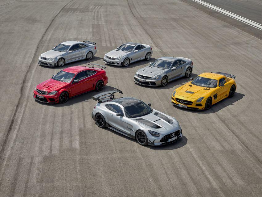 C190 Mercedes-AMG GT Black Series debuts – 4L twin-turbo flat-plane V8; 730 PS, 800 Nm; crazy aero Image #1146535