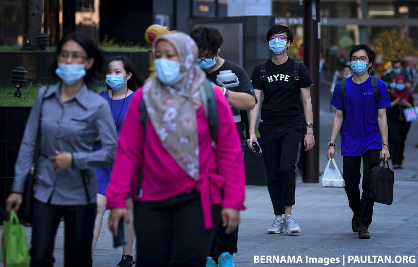Those refusing to wear face masks could be fined or jailed once use becomes mandatory – Noor Hisham Image #1151003