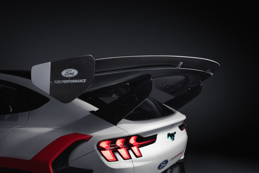 Ford Mustang Mach-E 1400 prototype – seven electric motors, 1,400 hp; 1,044 kg of downforce at 256 km/h Image #1150369