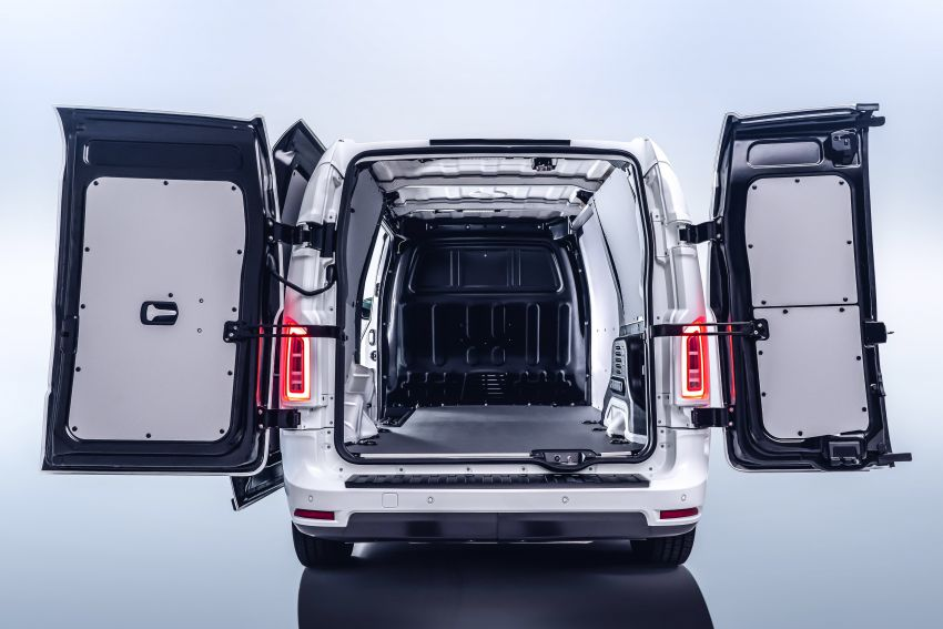 LEVC VN5 debuts – EV black cab becomes a delivery van; up to 484 km of range; 5,500 litres of cargo space Image #1144725
