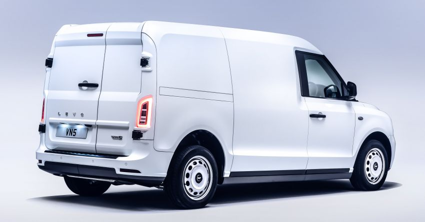 LEVC VN5 debuts – EV black cab becomes a delivery van; up to 484 km of range; 5,500 litres of cargo space Image #1144729