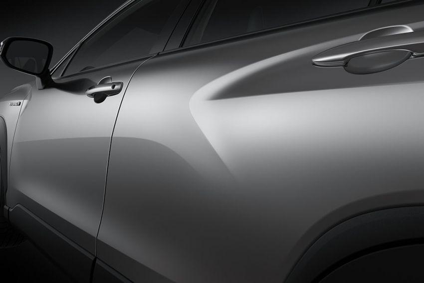 Toyota perkenal Corolla Cross untuk pasaran Thailand — platform TNGA, enjin petrol dan hibrid, dari RM132k Image #1143131