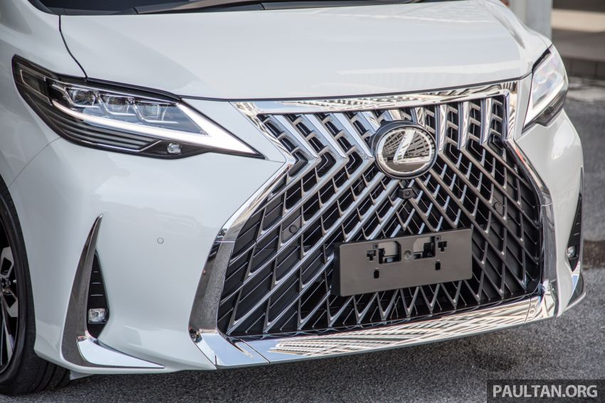 GALLERY: Toyota Alphard full exterior conversion to Lexus LM – genuine Lexus parts only, priced at RM56k Image #1147529
