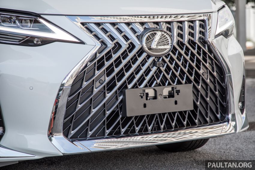 GALLERY: Toyota Alphard full exterior conversion to Lexus LM – genuine Lexus parts only, priced at RM56k Image #1147530