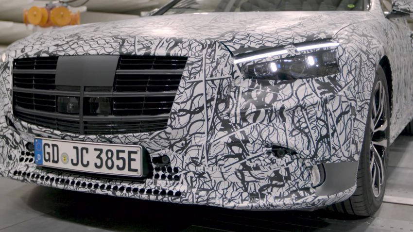 W223 Mercedes-Benz S-Class  to debut in September – big MBUX screen; PHEV variant with 100 km EV range Image #1141654