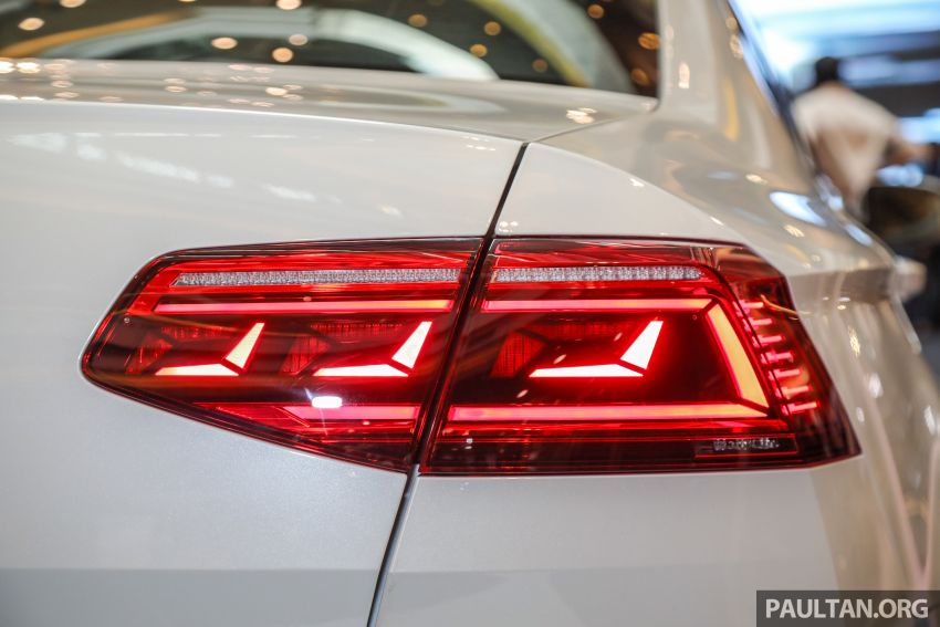 2020 Volkswagen Passat R-Line open for booking – sportier look, DCC, RM200k to RM210k estimated Image #1159207