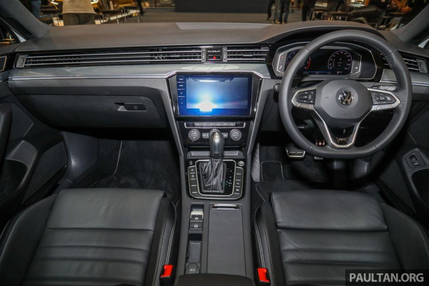 2020 Volkswagen Passat R-Line open for booking – sportier look, DCC, RM200k to RM210k estimated Image #1159214