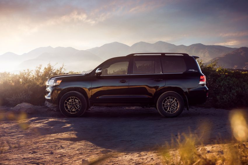 2021 Toyota Land Cruiser Heritage Edition for the US – 5.7 litre V8 now with third-row seating, new colours Image #1154692