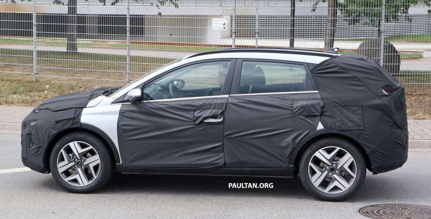 SPYSHOTS: 2021 Hyundai 'i20 Active' spotted on test Image #1159539