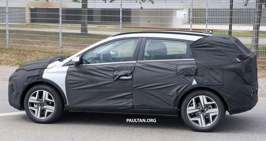 SPYSHOTS: 2021 Hyundai 'i20 Active' spotted on test Image #1159538