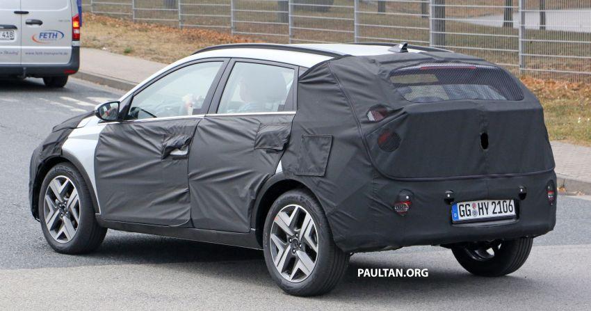SPYSHOTS: 2021 Hyundai 'i20 Active' spotted on test Image #1159532