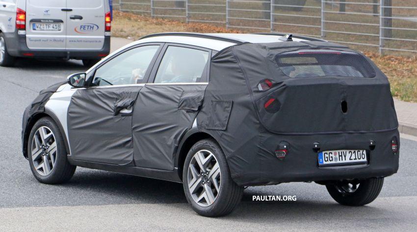 SPYSHOTS: 2021 Hyundai 'i20 Active' spotted on test Image #1159531