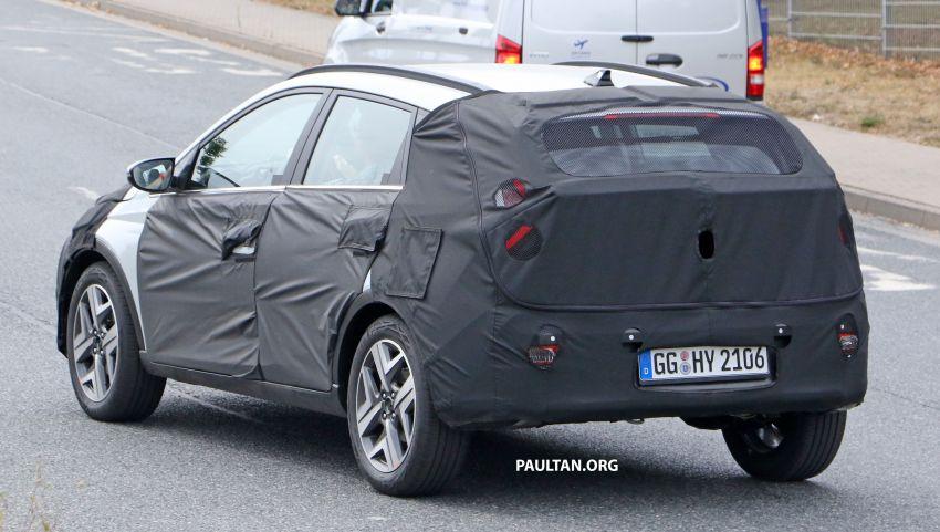 SPYSHOTS: 2021 Hyundai 'i20 Active' spotted on test Image #1159529