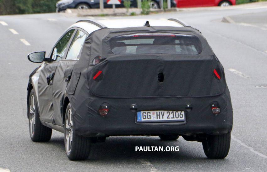 SPYSHOTS: 2021 Hyundai 'i20 Active' spotted on test Image #1159526