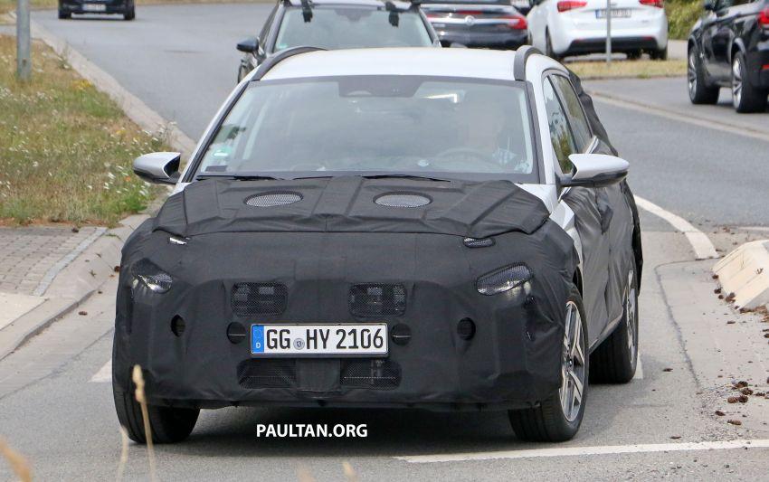SPYSHOTS: 2021 Hyundai 'i20 Active' spotted on test Image #1159549