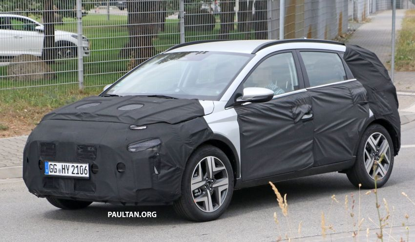 SPYSHOTS: 2021 Hyundai 'i20 Active' spotted on test Image #1159544