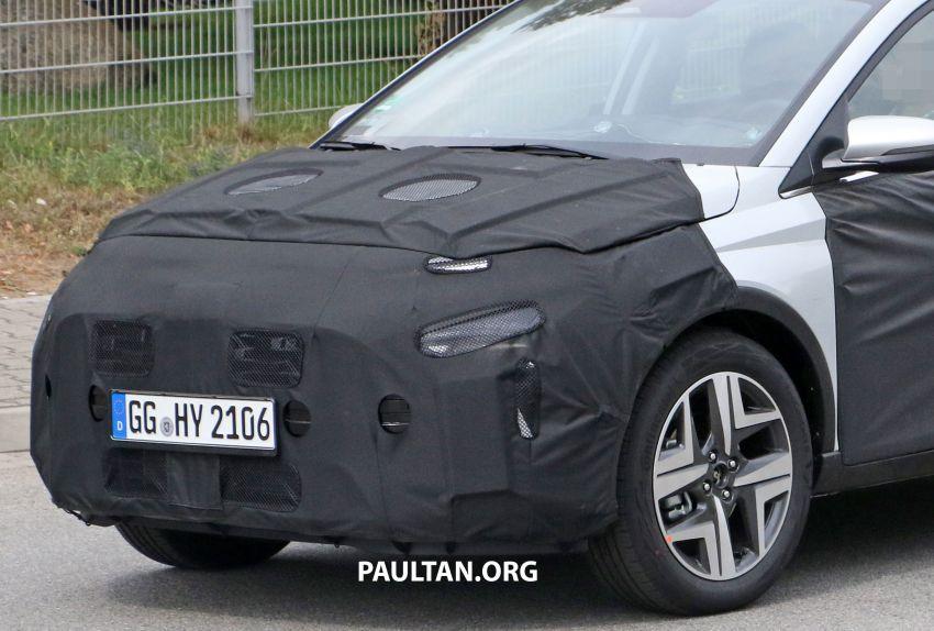 SPYSHOTS: 2021 Hyundai 'i20 Active' spotted on test Image #1159543