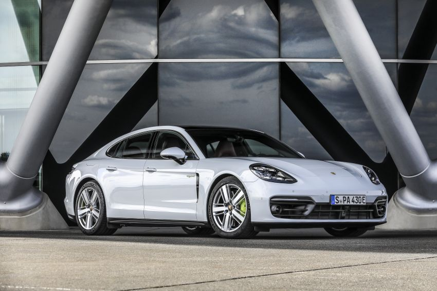 2020 Porsche Panamera facelift – 630 PS/820 Nm Turbo S; PHEV 4S E-Hybrid with 54 km electric range Image #1167494