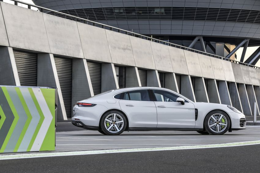 2020 Porsche Panamera facelift – 630 PS/820 Nm Turbo S; PHEV 4S E-Hybrid with 54 km electric range Image #1167498