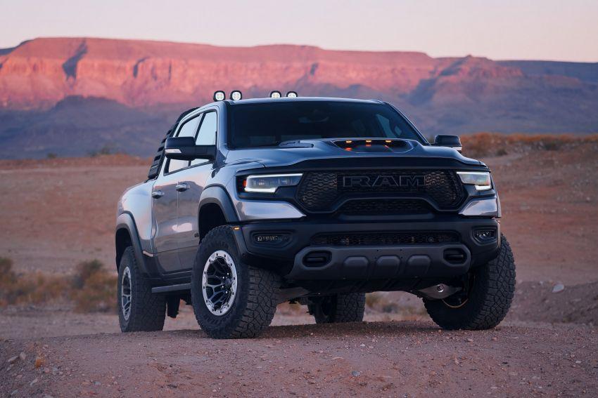 2021 Ram 1500 TRX debuts – 702 hp/881 Nm 6.2L V8, 0-96 km/h in 4.5s; more than 330 mm of wheel travel Image #1162796