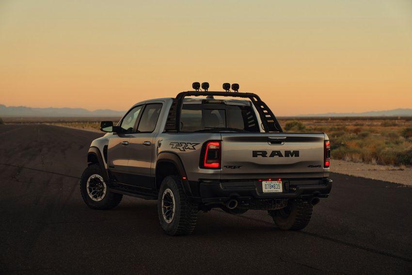 2021 Ram 1500 TRX debuts – 702 hp/881 Nm 6.2L V8, 0-96 km/h in 4.5s; more than 330 mm of wheel travel Image #1162802