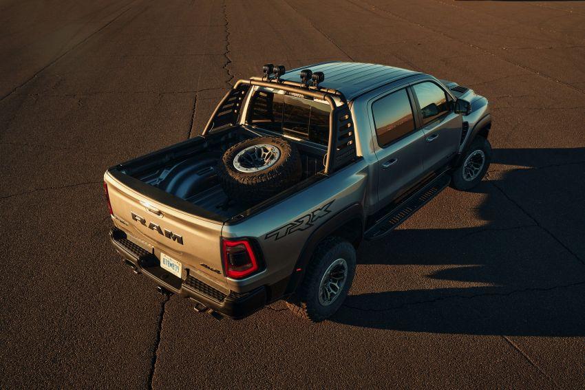 2021 Ram 1500 TRX debuts – 702 hp/881 Nm 6.2L V8, 0-96 km/h in 4.5s; more than 330 mm of wheel travel Image #1162803