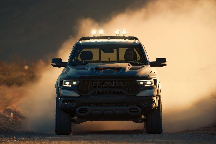 2021 Ram 1500 TRX debuts – 702 hp/881 Nm 6.2L V8, 0-96 km/h in 4.5s; more than 330 mm of wheel travel Image #1162789