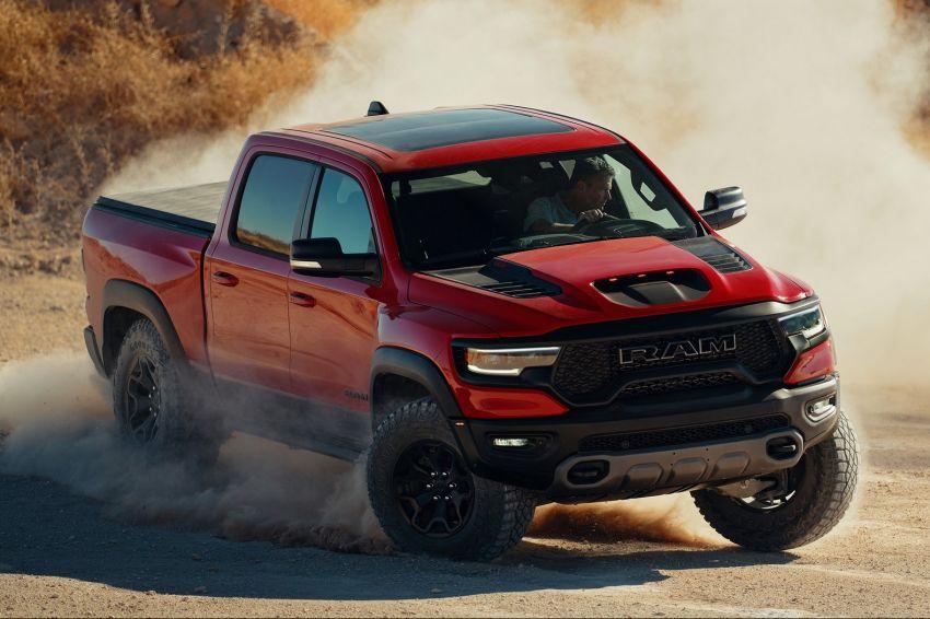 2021 Ram 1500 TRX debuts – 702 hp/881 Nm 6.2L V8, 0-96 km/h in 4.5s; more than 330 mm of wheel travel Image #1162791