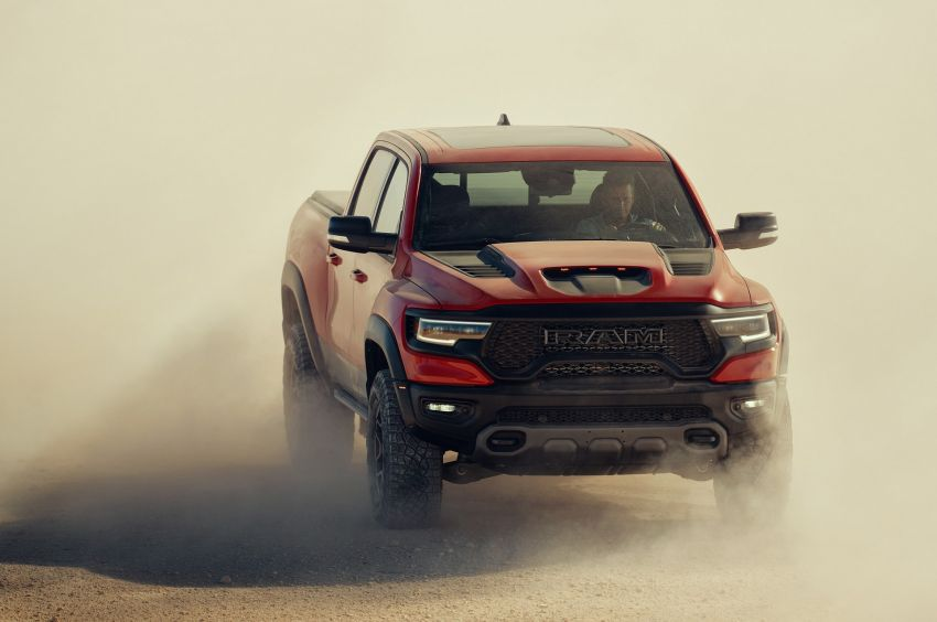 2021 Ram 1500 TRX debuts – 702 hp/881 Nm 6.2L V8, 0-96 km/h in 4.5s; more than 330 mm of wheel travel Image #1162792