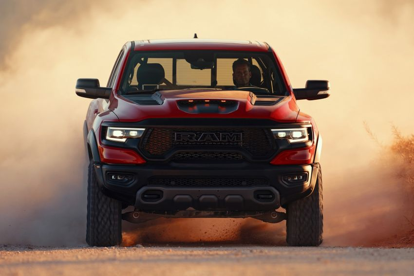 2021 Ram 1500 TRX debuts – 702 hp/881 Nm 6.2L V8, 0-96 km/h in 4.5s; more than 330 mm of wheel travel Image #1162793
