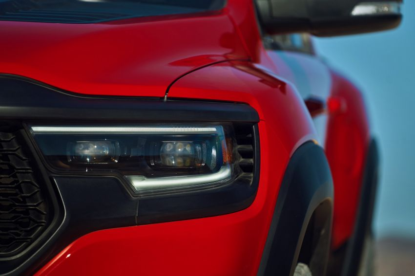 2021 Ram 1500 TRX debuts – 702 hp/881 Nm 6.2L V8, 0-96 km/h in 4.5s; more than 330 mm of wheel travel Image #1162766