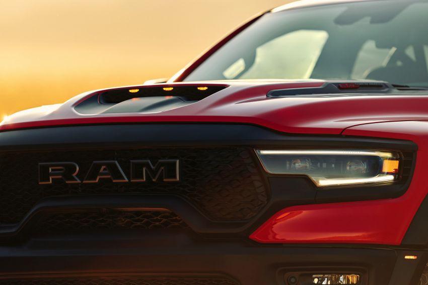 2021 Ram 1500 TRX debuts – 702 hp/881 Nm 6.2L V8, 0-96 km/h in 4.5s; more than 330 mm of wheel travel Image #1162767