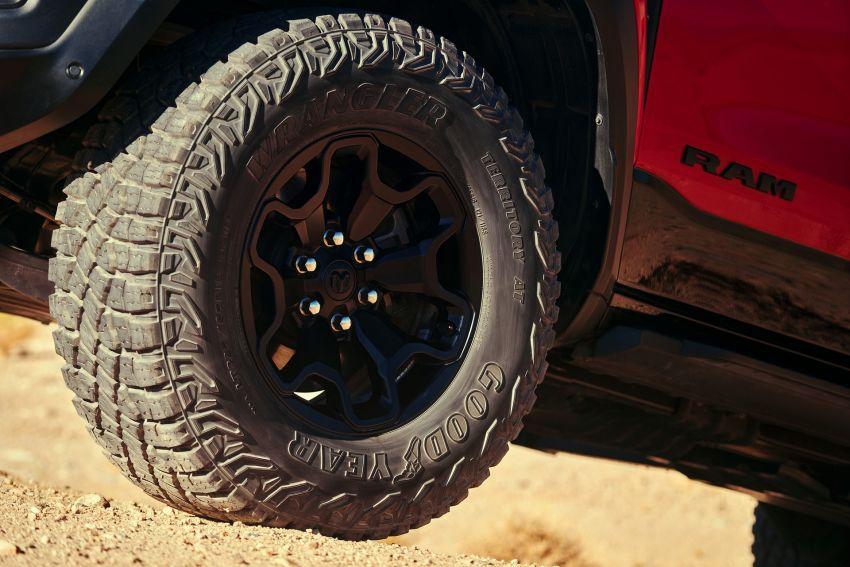 2021 Ram 1500 TRX debuts – 702 hp/881 Nm 6.2L V8, 0-96 km/h in 4.5s; more than 330 mm of wheel travel Image #1162771