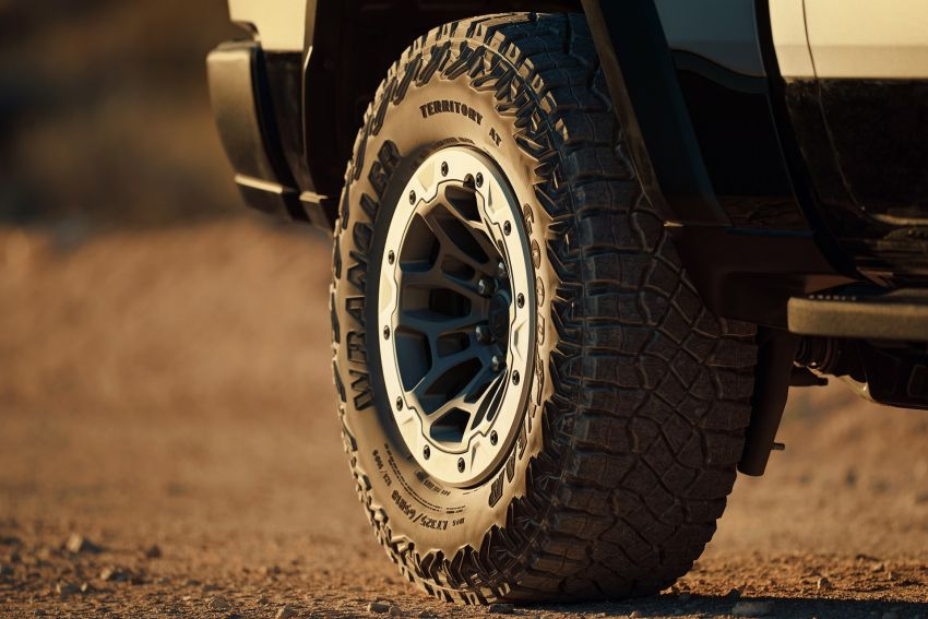 2021 Ram 1500 TRX debuts – 702 hp/881 Nm 6.2L V8, 0-96 km/h in 4.5s; more than 330 mm of wheel travel Image #1162772