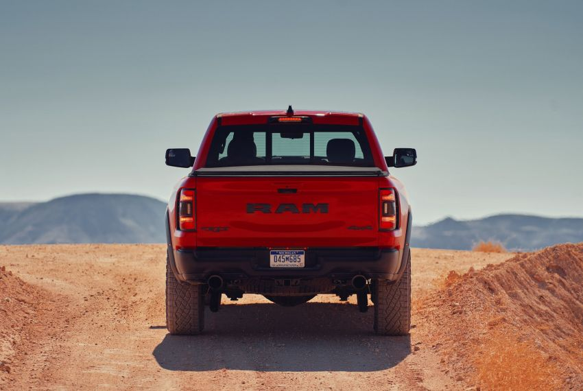 2021 Ram 1500 TRX debuts – 702 hp/881 Nm 6.2L V8, 0-96 km/h in 4.5s; more than 330 mm of wheel travel Image #1162813