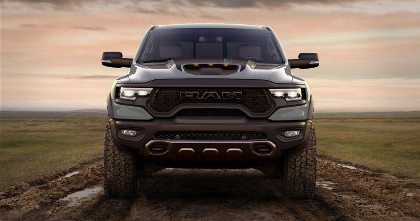 2021 Ram 1500 TRX debuts – 702 hp/881 Nm 6.2L V8, 0-96 km/h in 4.5s; more than 330 mm of wheel travel Image #1162722
