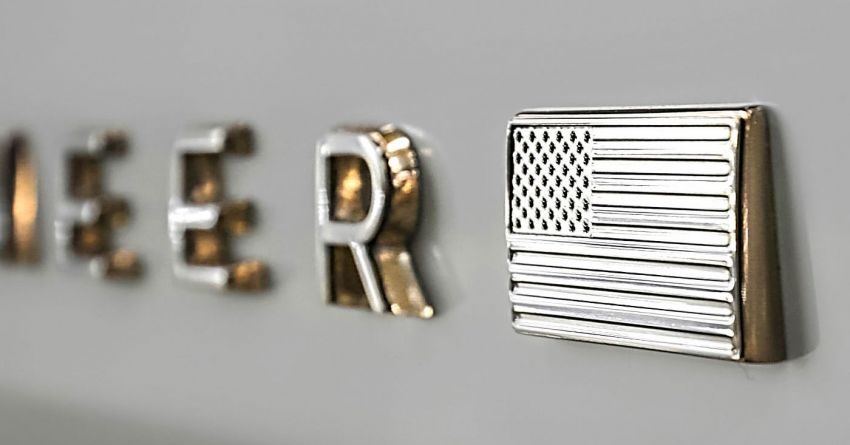 2021 Jeep Wagoneer teases its emblem and interior Image #1162089