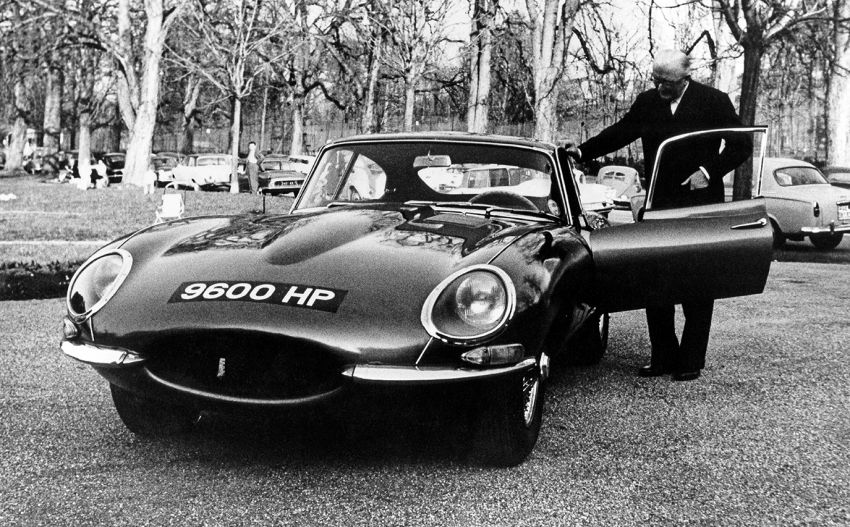 Jaguar E-Type 60 Edition – commemorative versions of the coupe and roadster, limited to six matched pairs Image #1158782