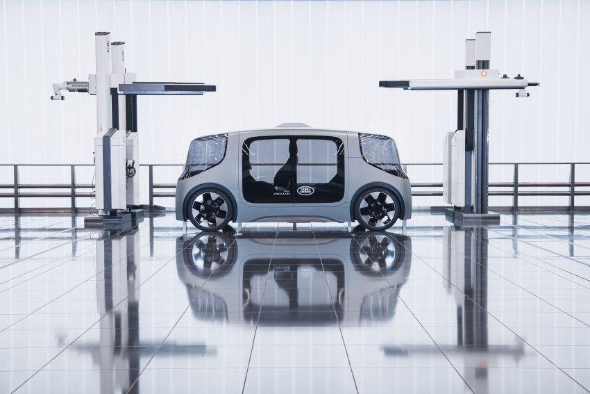 Jaguar Land Rover developing software to reduce passenger motion sickness in autonomous vehicles Image #1155966