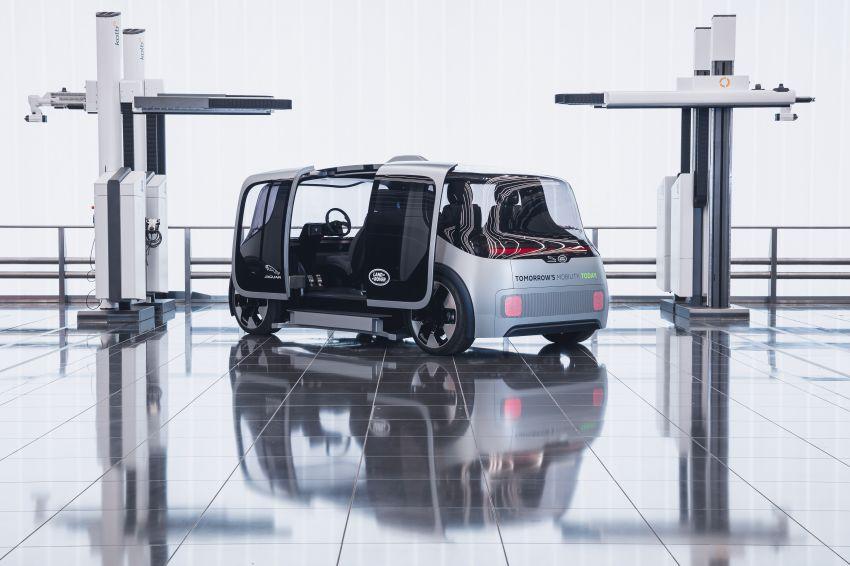Jaguar Land Rover developing software to reduce passenger motion sickness in autonomous vehicles Image #1155961