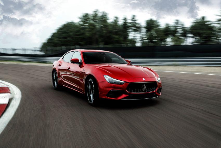 Maserati debuts Trofeo versions of the Ghibli and Quattroporte – 3.8L Ferrari V8; 580 PS and 730 Nm Image #1157971
